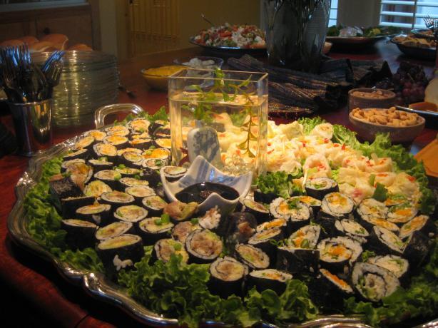 Crab and Avocado Roll - Sushi