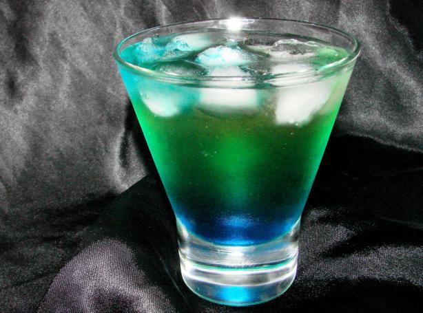 Alien Urine Sample (Halloween Cocktail)