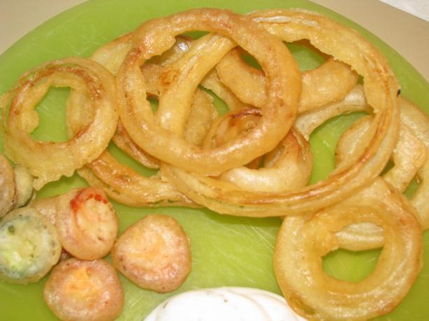 Beer-Batter Fried Jalapeno Strips, Onion Petals & Pickles