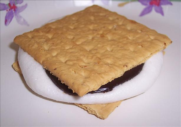 Quick Microwave S'mores