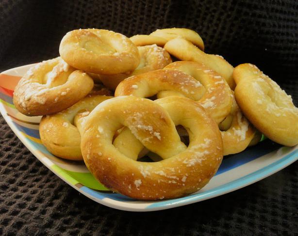 Hungarian Pretzels (Perec)