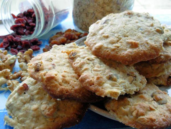 Lotsa Oatmeal Cookies