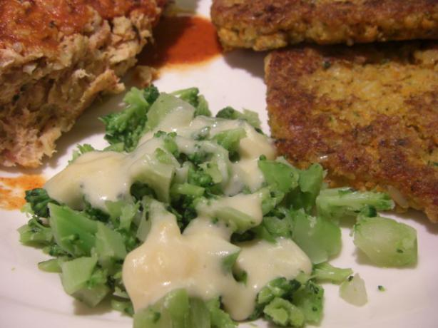 Broccoli With Cheese Sauce