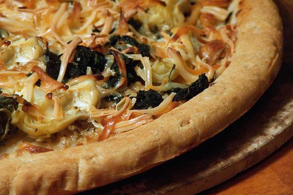 Smokey Spinach and Artichoke Blonde Pizza