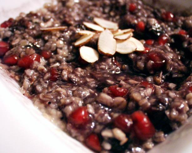 Pomegranate and Blueberry Oatmeal