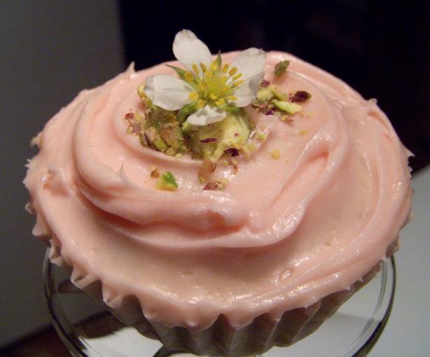 Rambling Rose Cupcakes - Adorable, Elegant Cupcakes!