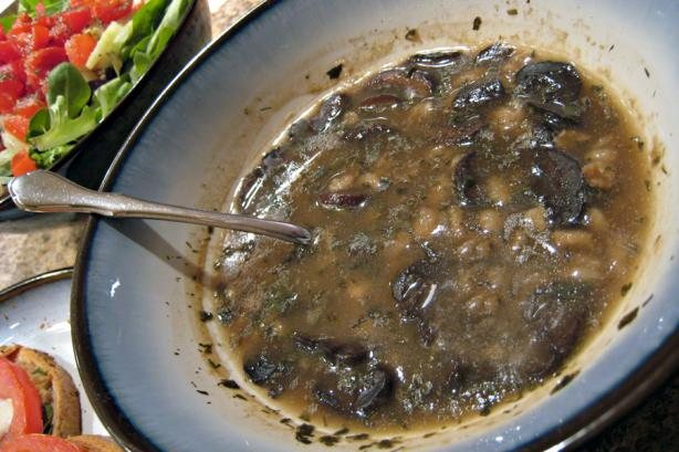 Mushroom Barley Soup (Slow Cooker)