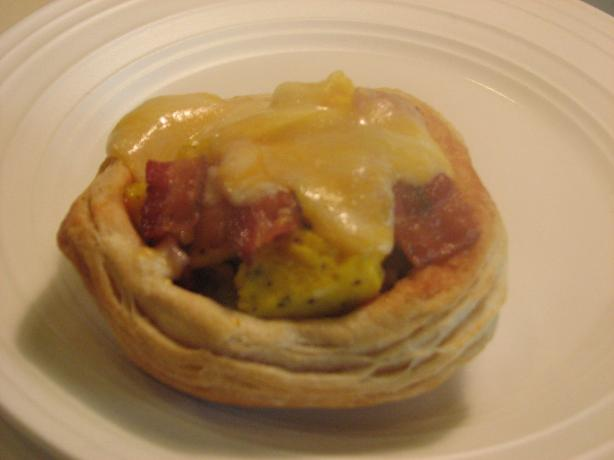 Bacon, Egg and Cheese Biscuit Bowls
