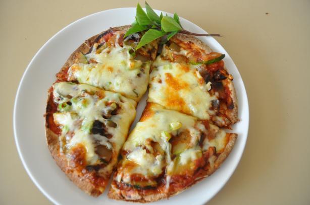 Garden Pita Pizza