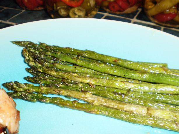 Olive Oil and Garlic Broiled Asparagus