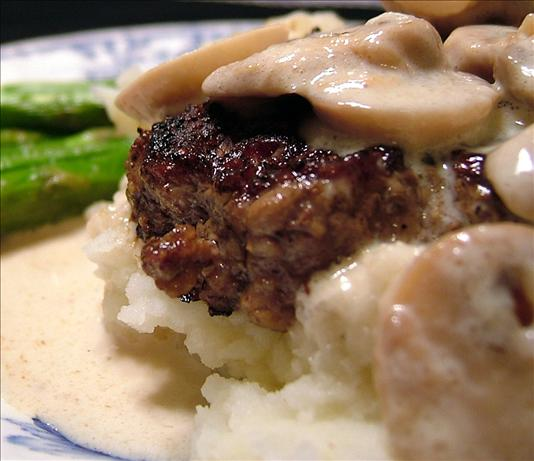 Pepper Crusted Tenderloin With Mushroom Cream and Asparagus