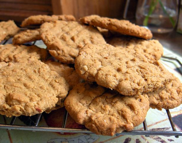 Gourmet Magazine's Easy Peanut Butter Cookies