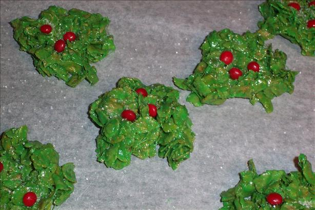 Holly Leaves (No Bake)
