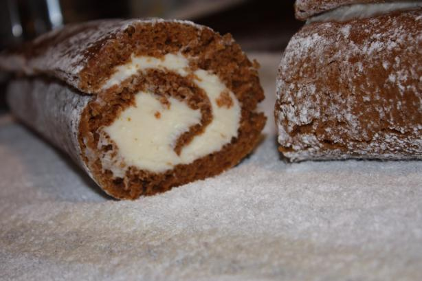 The Best Pumpkin Roll