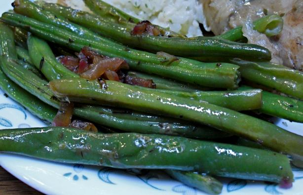 Green Beans With Shallots, Lemon, and Thyme