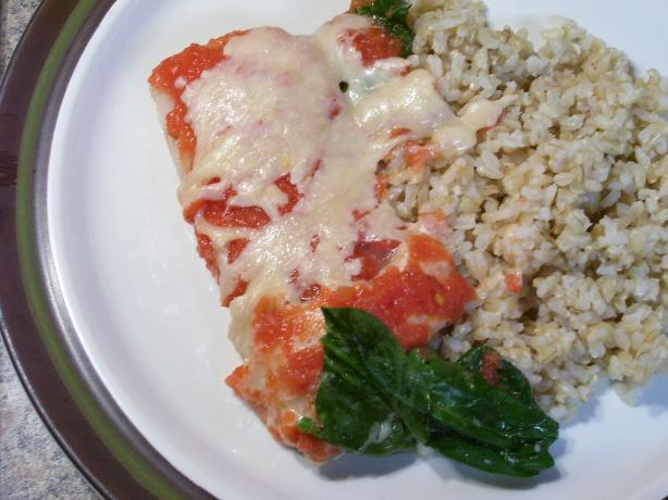 Baked Fish With Spinach and Tomatoes