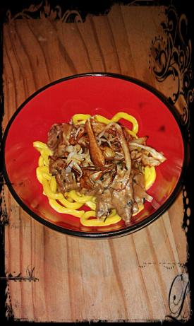 Beef Tips & Crispy Parsnip Threads With Horseradish Cream Sa