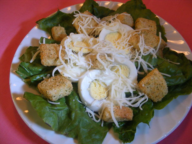 Crunchy Romaine Salad With Eggs and Croutons