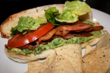 BLT With Spicy Guacamole