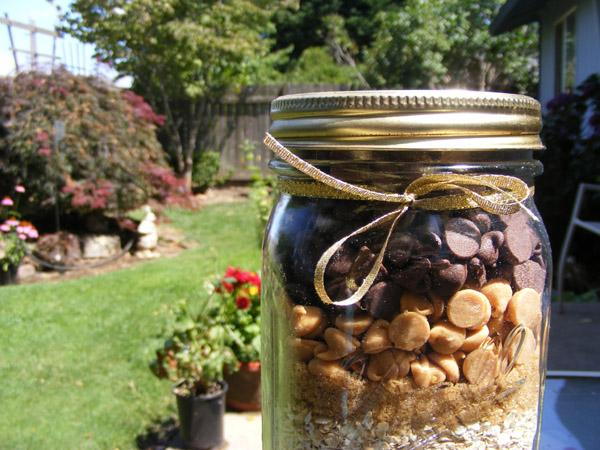 Chocolate Peanut Butter Oatmeal Cookies (Gift Mix in a Jar)
