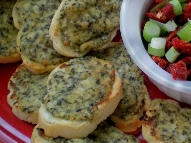 Toasted Pesto Rounds