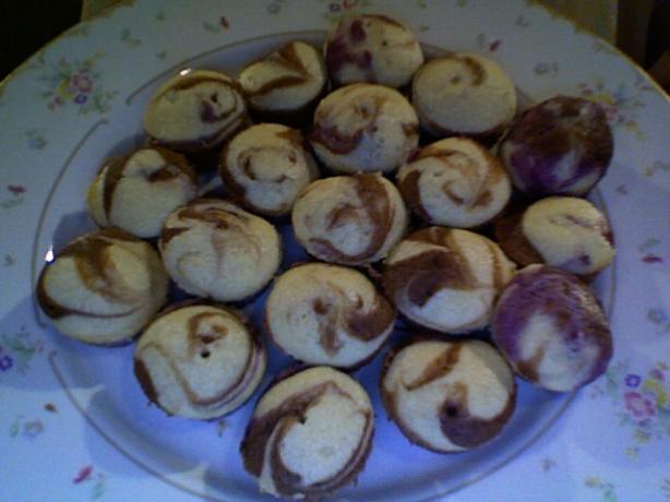 Raspberry Choco-Nilla Mini Swirl Cupcakes
