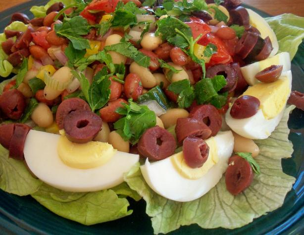 Turkish Piyaz (Bean Salad)