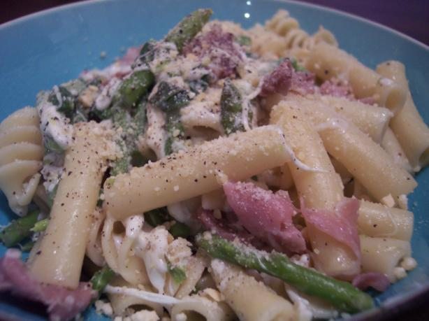 Ziti With Asparagus, Smoked Mozzarella and Prosciutto