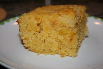 Cornbread (Sweet & Moist)
