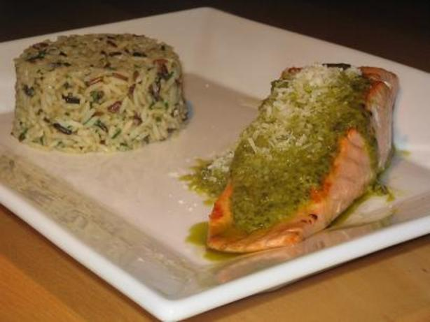 Salmon Fillets With a Pesto Sauce