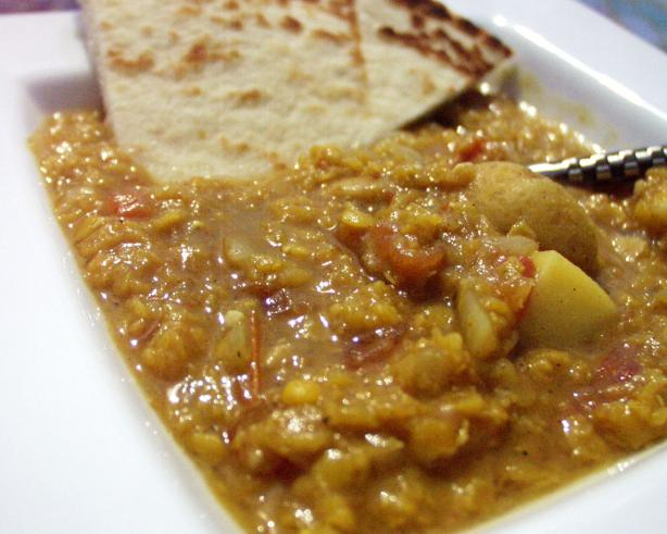 Kuwaiti Red Lentil Soup (Shaurabat Adas)