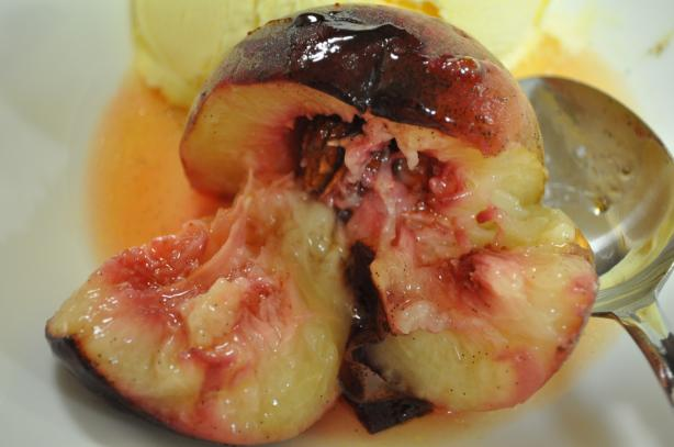 Baked Vanilla Peaches