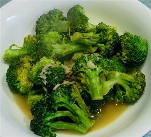 Braised Broccoli with Garlic, Anchovies & Wine