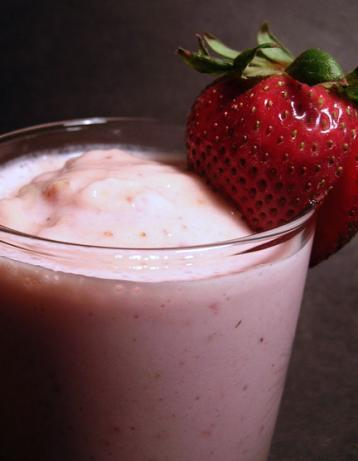 Luscious Banana Berry Smoothie
