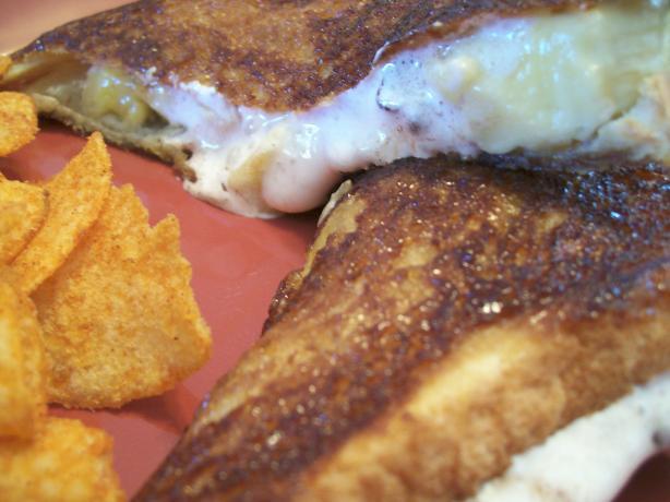Caramelized Chocolate, Banana and Marshmallow Sandwiches