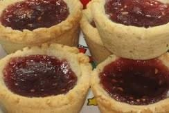 Raspberry Linzer Cookie Cups