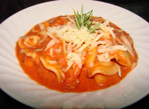 Tortellini Rosé (Tortellini With Tomato Cream Sauce)