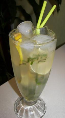 Vodka-Thyme Lemonade