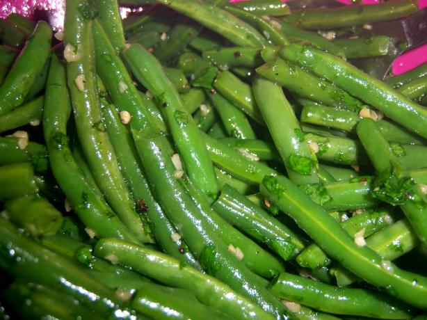 Green Beans With Coriander and Garlic: Feijao Verde Com Coentro