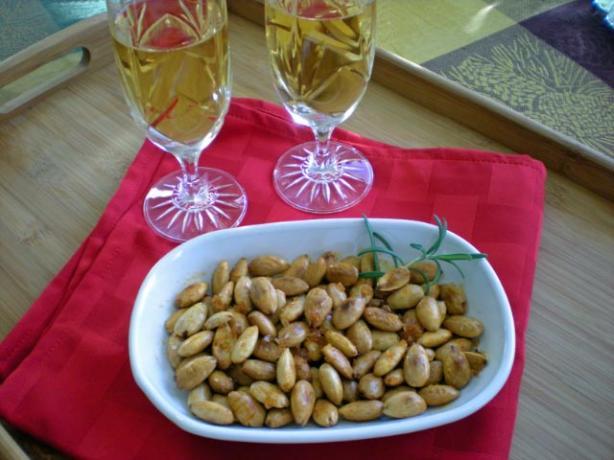 Paprika Spiced Spanish Almonds - Almendras Al Pimentòn