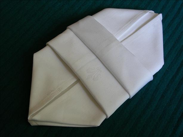 Serviette/Napkin Folding, Another Make-In-Advance