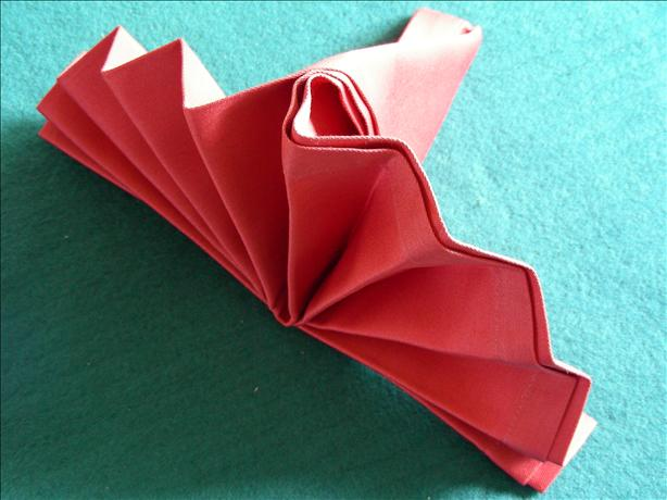 Serviette/Napkin Folding, Simple Standing Fan