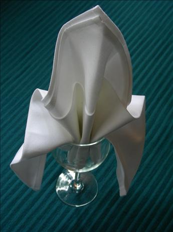 Serviette/Napkin Folding, Fleur De Lis in a Glass Version1.