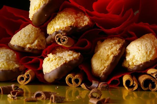 Cinnamon Amaretti