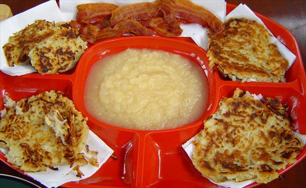 Rievkooche or Reibekuchen (Cologne Style Potato Pancakes)