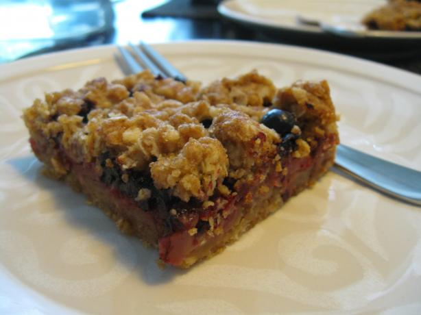 Apple and Black Currant Crumble Bars