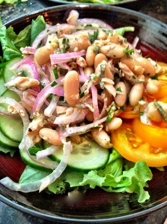 Healthy and Tasty White Bean and Tuna Salad
