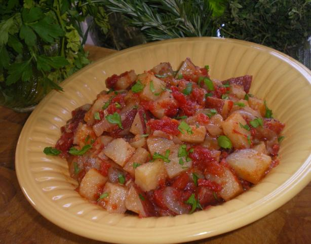Portuguese Style Redskin Potato Salad With Tomatoes and Garlic