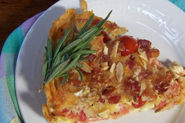 Tomato Tart With Rich Cheese Crust and Almond Bacon Crunch #RSC