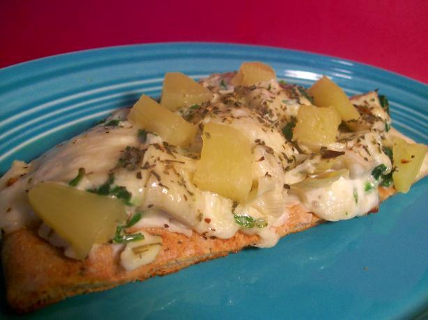 Surfin' Spinach and Artichoke Pita Pizza